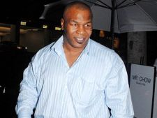 Mike Tyson afirma ca a lasat-o insarcinata pe angajata unei  inchisori