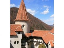 ADVERTORIAL  - Excursie de o zi pe Valea Prahovei si in Brasov, oferta pentru turisti straini