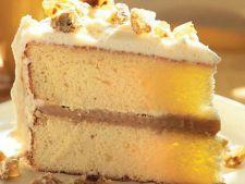 Tort cu caramel si glazura de branza