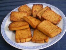 Tofu prajit cu sos picant