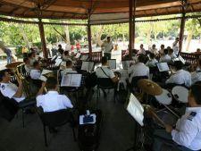 Stagiunea Muzicala Estivala in parcul Cismigiu
