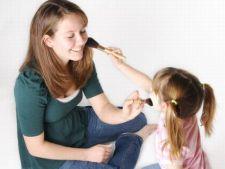 6 indicii ca bona copilului trebuie schimbata
