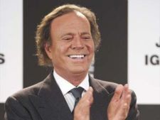 Julio Iglesias, jefuit in Venezuela