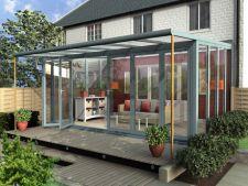 6 idei de decorare pentru o terasa luminoasa de vara