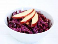 Salata de varza rosie cu merisoare