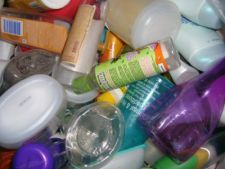 Cum reciclezi produsele cosmetice de prisos