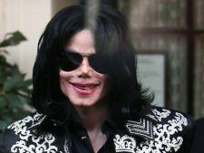 Michael Jackson a intretinut relatii sexuale cu un barbat?