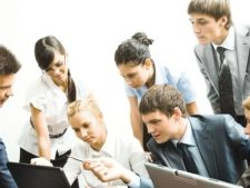 Propunere legislativa: Angajatorii ar putea fi scutiti de plata a 50% din CAS daca recruteaza tineri