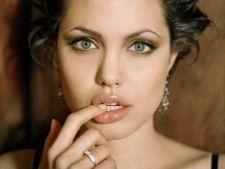 8 lucruri interesante despre Angelina Jolie
