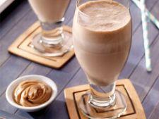 Shake cu unt de arahide si ciocolata