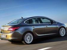 Opel a prezentat varianta sedan a lui Astra
