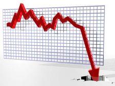 Moody's a coborat ratingul BCR si Raiffeisen Bank
