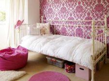 6 modele reusite de tapet roz pentru casa