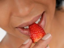 Alimente care iti curata dintii