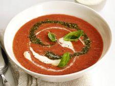 Supa de rosii cu pesto