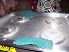 Sterge zgarieturile de pe obiectele din otel inoxidabil: 4 ponturi eficiente