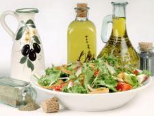 Cum sa alegi sosuri sanatoase pentru salatele tale