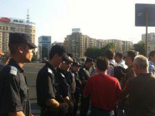 Proteste in Capitala: Peste 300 de persoane au scandat lozinci in Piata Victoriei si Universitatii