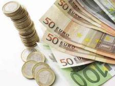 Euro, la minimul ultimilor doi ani