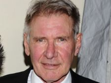 Harrison Ford si Liam Hemsworth vor juca in pelicula