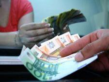 Decizia Curtii Constitutionale a determinat cresterea cursului la peste 4.63 lei/euro