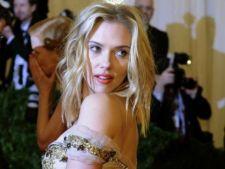 Scarlett Johansson a interpretat un cover dupa Serge Gainsbourg