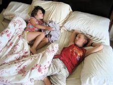 Pozitia de somn si personalitatea copilului