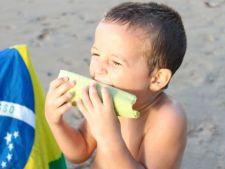 6 gustari sanatoase pentru copii la plaja