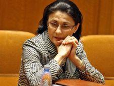 Ministrul Educatiei: Strangerea de bani pentru fondul clasei trebuie sa inceteze