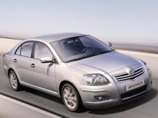 Peste 4.500 de masini Toyota Avensis si Toyota RAV 4 sunt rechemate in service