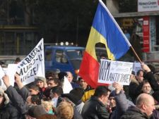 Miting anti-Basescu la Universitate: Traficul rutier a fost blocat timp de o ora si jumatate