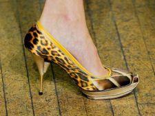 5 pantofi cu imprimeuri in voga pentru toamna 2012