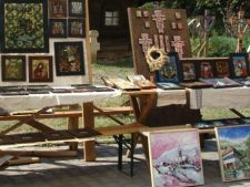 Targul iconarilor si mesterilor cruceri la Muzeul Taranului Roman