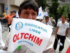 Angajatii de la Oltchim au reluat protestele
