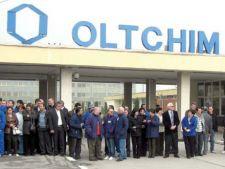 Sute de angajati de la Oltchim au reluat protestele