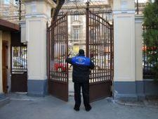 Doar 21% dintre scolile si liceele din Romania sunt pazite