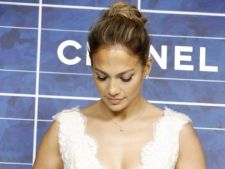 Jennifer Lopez s-a logodit?