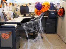 Decoratiuni de Halloween pentru biroul de acasa