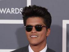 Bruno Mars a lansat un nou videoclip-