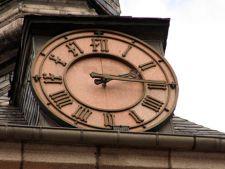 Ceasurile se dau cu o ora inapoi in noaptea de sambata spre duminica