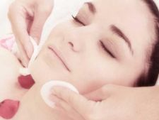 Sterge 10 ani de pe chipul tau: 3 secrete pentru o piele tanara