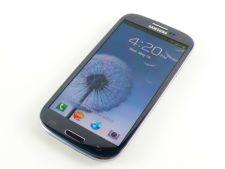 Samsung Galaxy S III, locul I in topul celor mai vandute smartphone-uri ale momentului