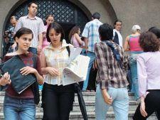 Absolventii de facultate ar putea fi obligati sa faca stagii de adaptare profesionala