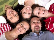 Studiu: O treime dintre romani sunt impliniti si fericiti