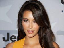 Kim Kardashian vrea sa scape de kilogramele in plus. Afla ce va face!