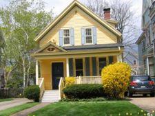 Casa la rosu, casa la galben sau casa la cheie. Afla care sunt avantajele si dezavantajele