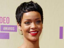 Rihanna a ajuns din nou pe pozitia intai in topul britanic. Afla ce record a egalat!