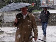Meteo: Saptamana debuteaza cu ploi si ninsori