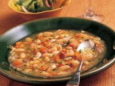 Supa toscana cu fasole si prosciutto