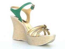 Sandale cu platforma pentru rasfatul picioarelor tale, de la papucei.ro